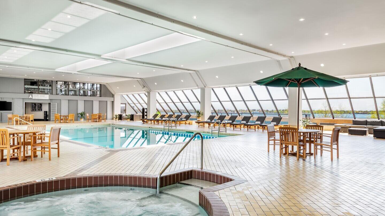 yyzwi-heated-pool-4898-hor-wide